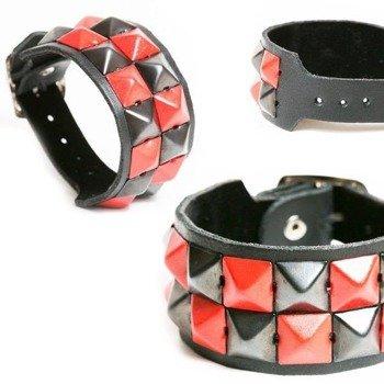 pieszczocha 2-rzędowa z piramidami czarno - czerwonymi