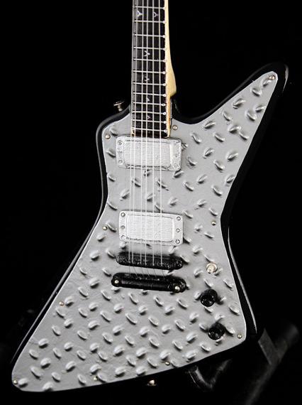 miniaturka gitary METALLICA - JAMES HETFIELD: METAL EXPLORER ESP JH-2